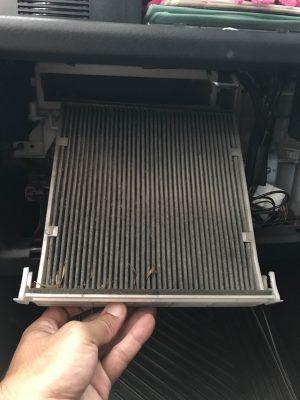 2017.10.14 エンジンエアフィルター、エアコンフィルター汚れたら交換しましょう。
